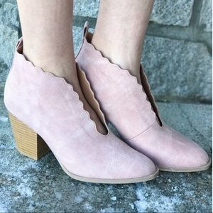 Stepping Out Block Heel in Blush